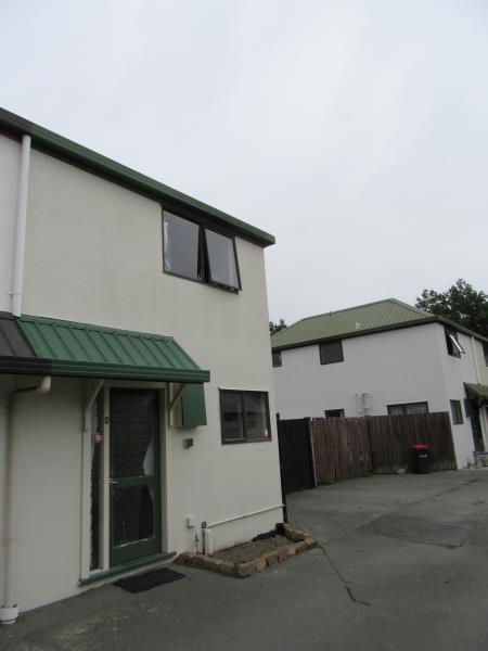 SUNNY TWO STOREY TOWNHOUSE